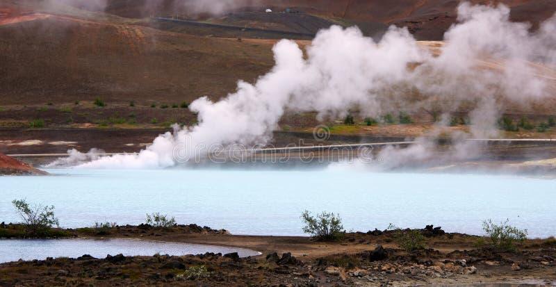 Geothermisch de lentewarm water dichtbij Myvatn stock foto's