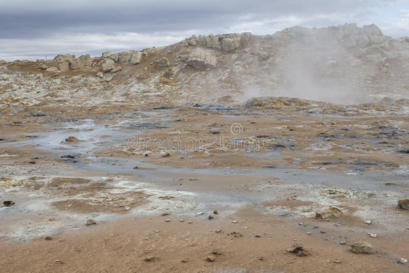 Geothermisch gebied in Hverir in IJsland stock afbeelding