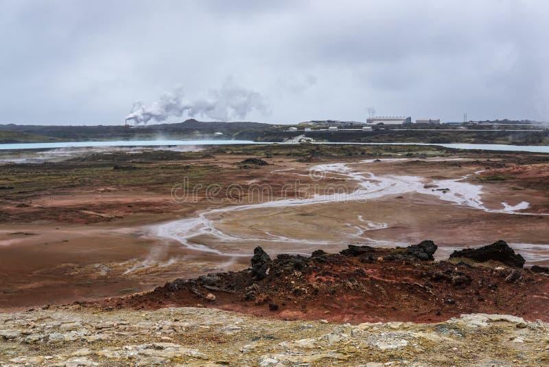 Geothermisch gebied van Gunnuhver, de Geothermische Elektrische centrale van Reykjanes, IJsland stock afbeelding