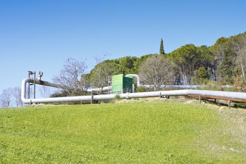 Geothermische elektrische centrale in de heuvels van Toscanië royalty-vrije stock fotografie