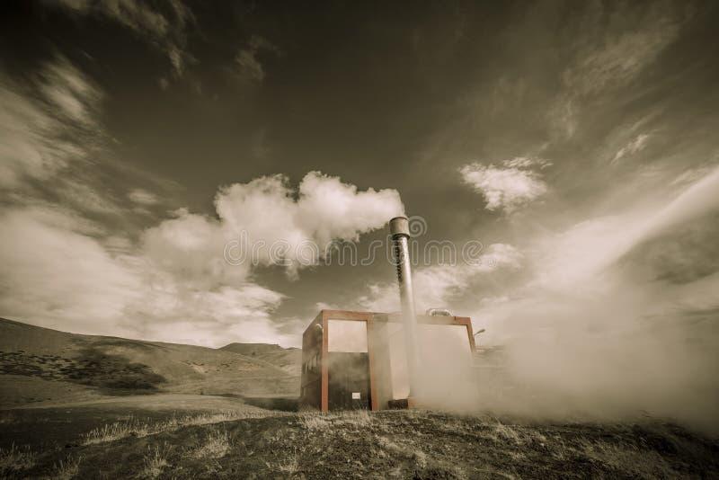 Geothermische energieinstallatie royalty-vrije stock afbeelding