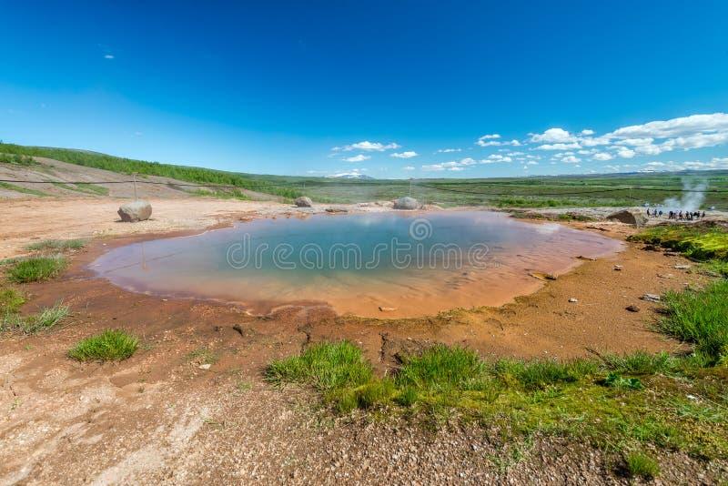 Geothermischer Frühling in Geysir-Bereich, Island lizenzfreie stockfotos