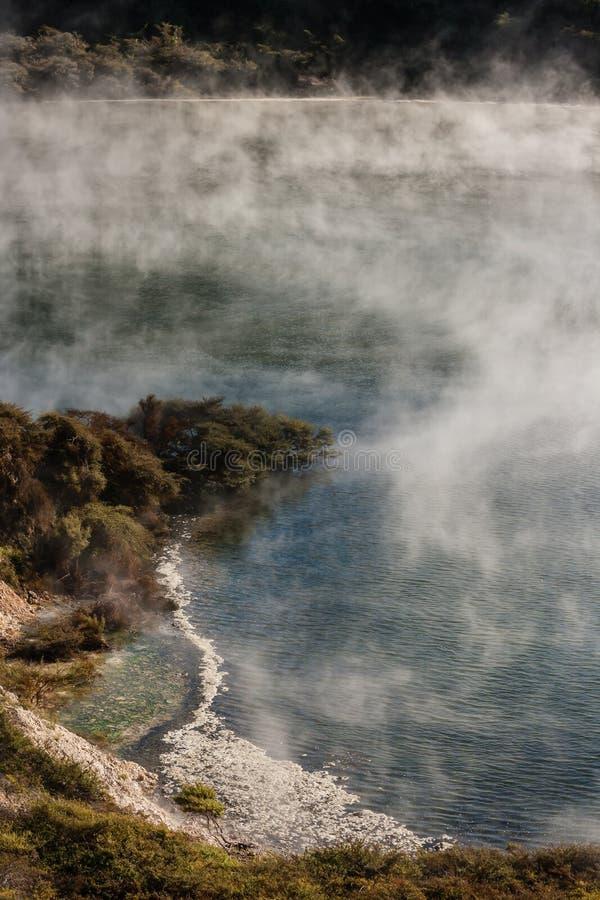 Download Geothermischer See In Vulkanischem Tal Waimangu Stockbild - Bild von unheimlich, nebel: 47101303
