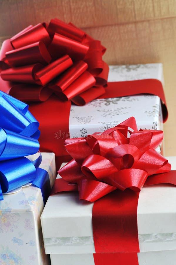 Gepackte Geschenke lizenzfreie stockbilder