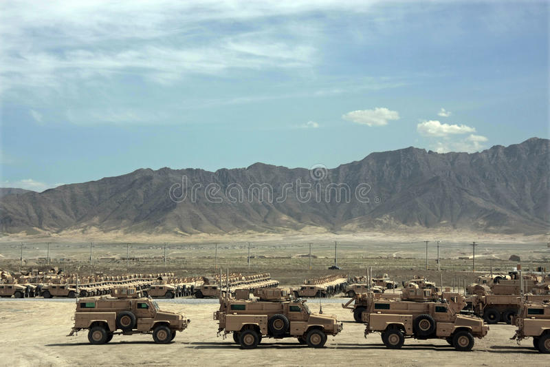 Gepanzerte Fahrzeuge betriebsbereit zur Ausgabe in Afghanistan lizenzfreie stockfotografie
