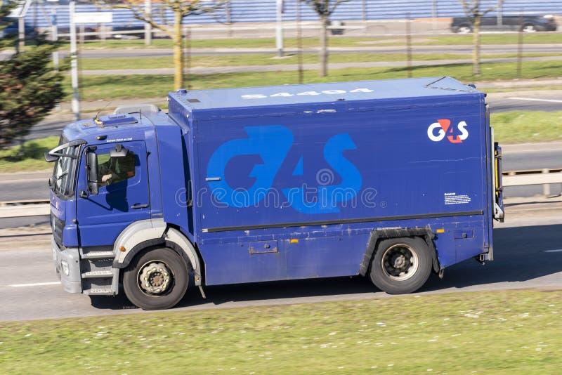 Gepanzertes Fahrzeug G4S, LKW, Lastwagen stockfotografie