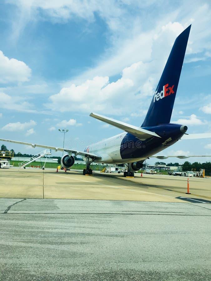 Geparkeerd Fedex-vliegtuig royalty-vrije stock foto