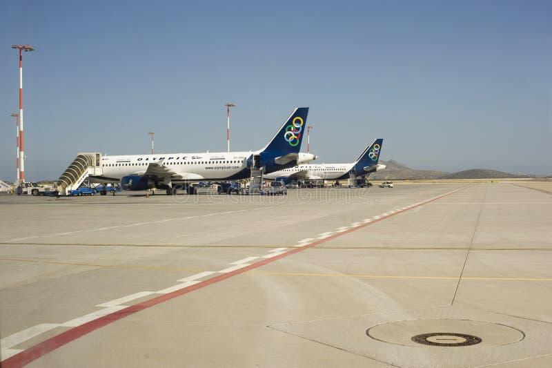 Geparkeerde vliegtuigen bij de Luchthaven royalty-vrije stock fotografie