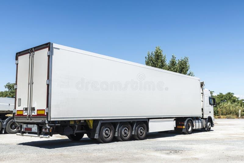 Geparkeerde vrachtwagen royalty-vrije stock foto