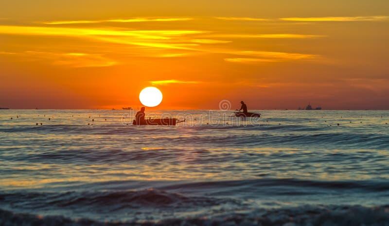 Geplaatste de vissers varen vroeg marien levensonderhoud stock afbeeldingen