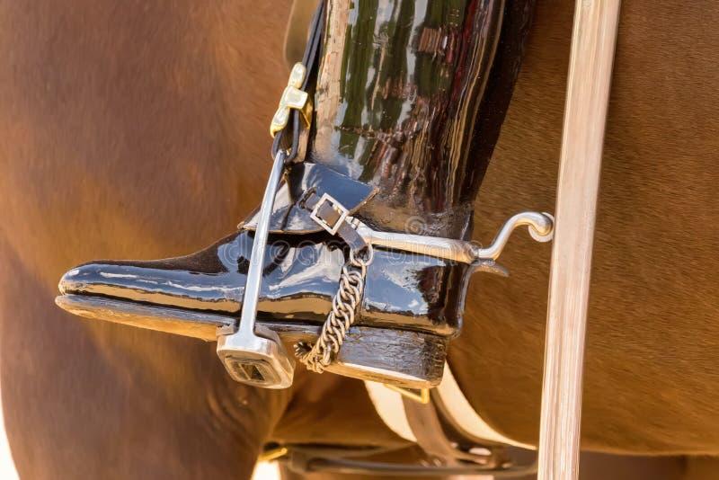 Geplateerde cavalerielaarzen royalty-vrije stock fotografie