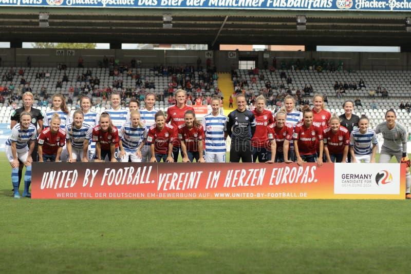 GER: KVINNOR FÖR FC BAYERN - MSV DUISBURGKVINNOR, 09 23 2018 royaltyfri foto