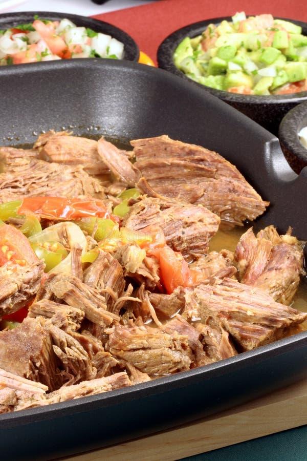 Gerade gebildetes mexikanisches Rindfleisch stockfoto