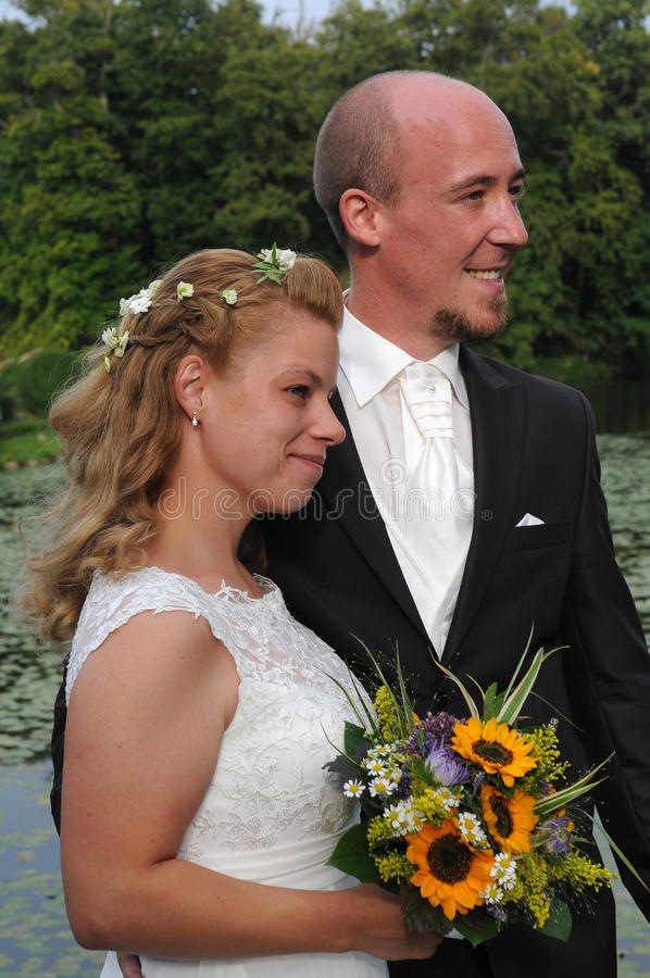 Gerade geheiratet stockfotos