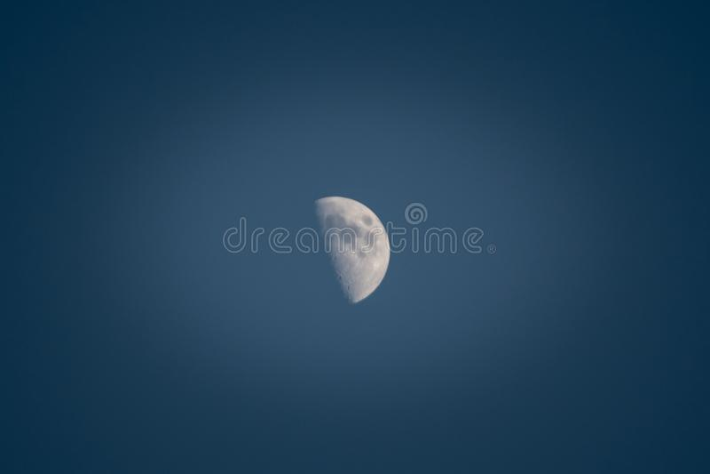 Gerade Hälfte Mond stockbilder