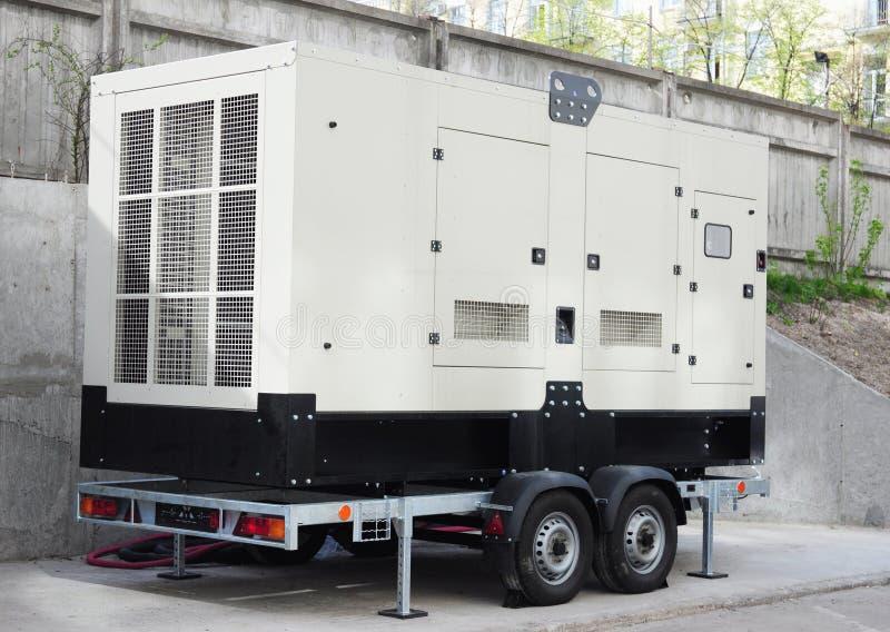Gerador alternativo de gás natural de poder à espera com painel de controle Gerador de poder à espera exterior fotografia de stock royalty free