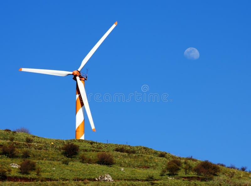 Gerador do moinho de vento em Altos do Golán foto de stock