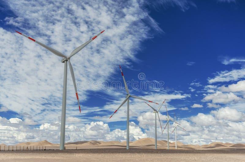 Geradores de vento em Atacama fotografia de stock