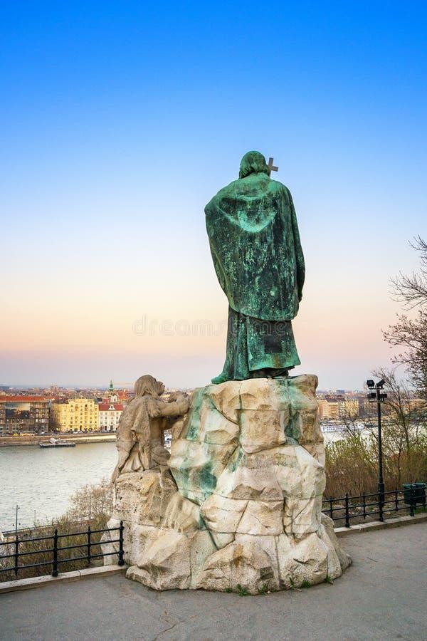Gerard del monumento al crepuscolo - Budapest di Csanad immagine stock libera da diritti