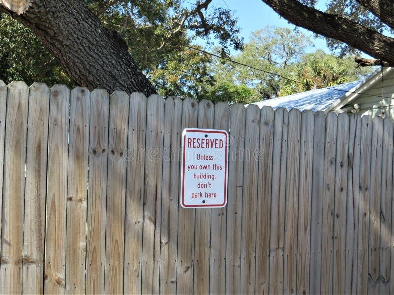 Gereserveerd parkerenteken, Tamper stock afbeeldingen