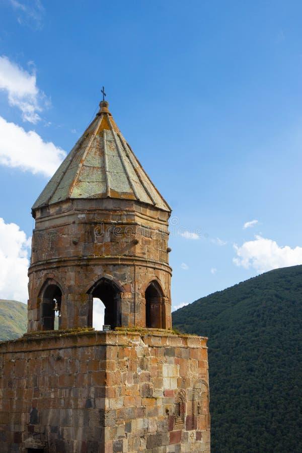 Gergeti kościół Cminda Sameba, Stepantsminda Gruzja zdjęcie stock