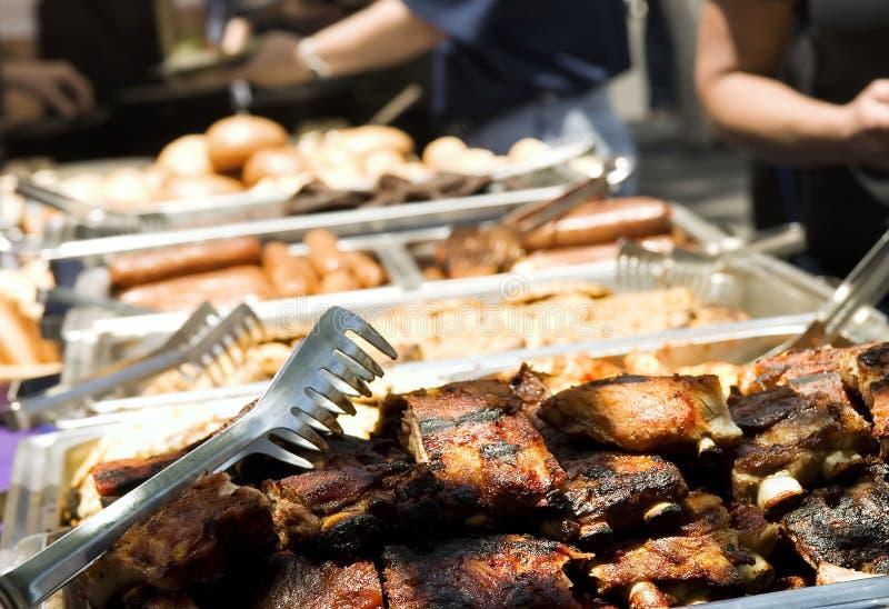 Gerichte de zomerbarbecue stock afbeeldingen