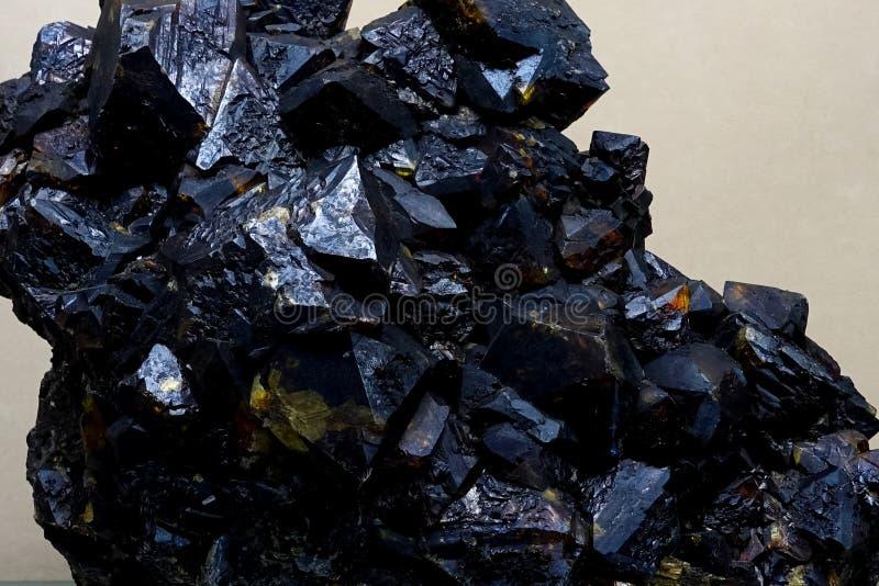 Germaniumkristallen, steekproeven van het germanium van het zeldzame aardemetaal stock foto's