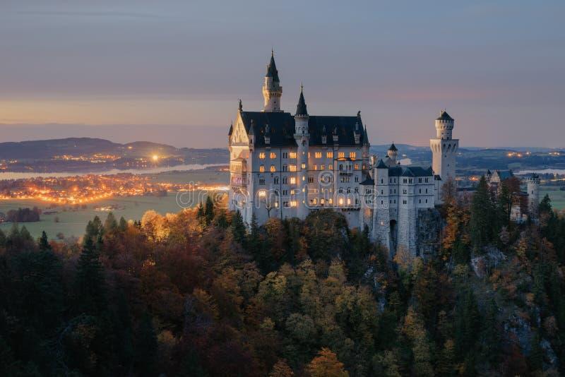 germany Castelo famoso de Neuschwanstein foto de stock royalty free