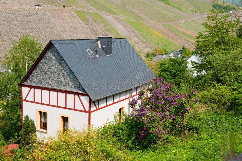 Download Germany Domowy Idylliczny Rhineland Zdjęcie Stock - Obraz złożonej z idylliczny, wzgórza: 13327642
