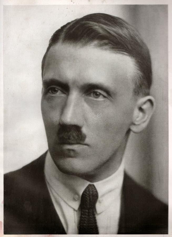 Frisuren nazi Nazis in