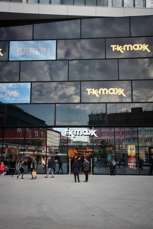 tk maxx share price