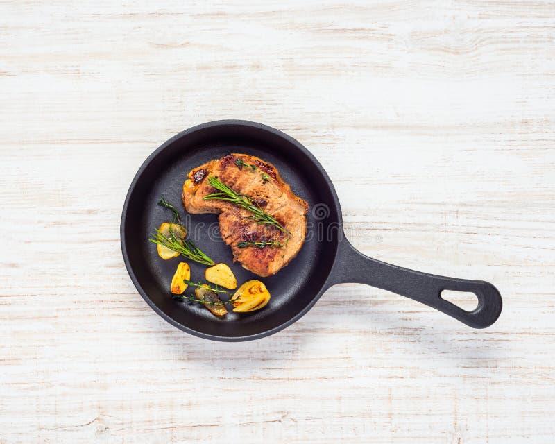 Geroosterd Lapje vlees in Pan royalty-vrije stock afbeeldingen