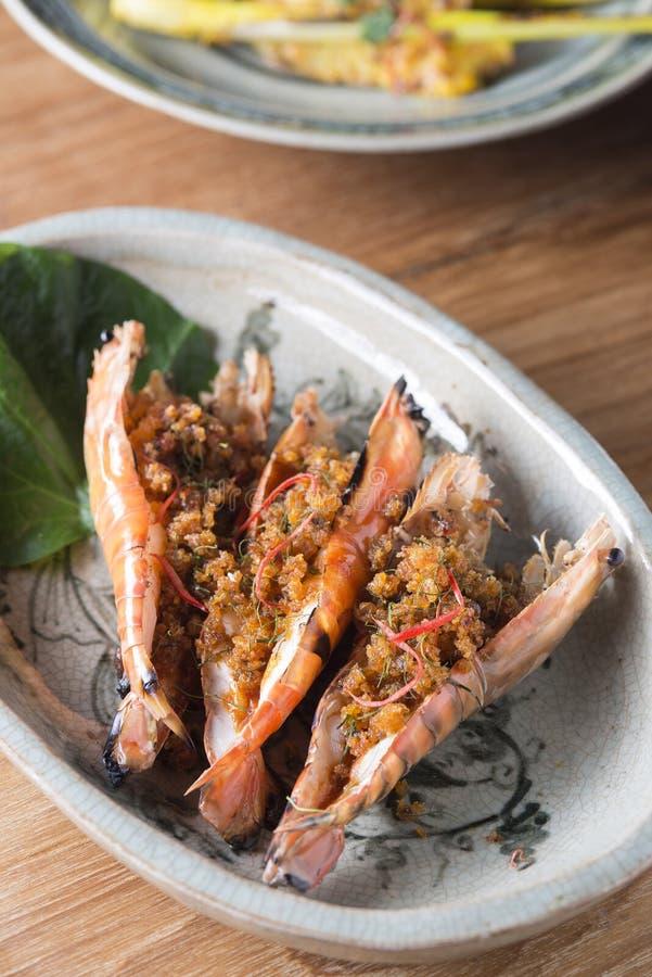 Geroosterd Rib Steak en Pan Seared Shrimps royalty-vrije stock foto