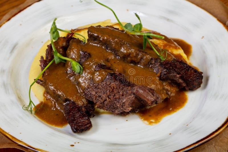 Geroosterd rundvlees met jus royalty-vrije stock fotografie