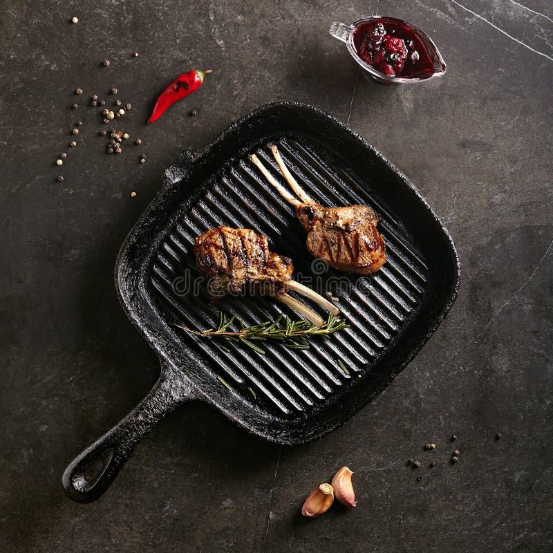 Geroosterd Voedsel - Rek van Lamsbarbecue royalty-vrije stock afbeeldingen