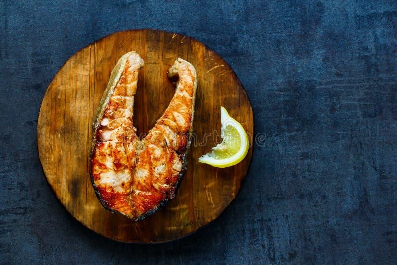 Geroosterd zalmlapje vlees stock afbeeldingen