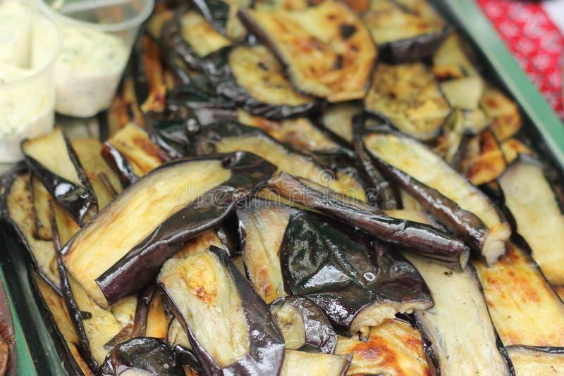 Geroosterde aubergine stock foto's