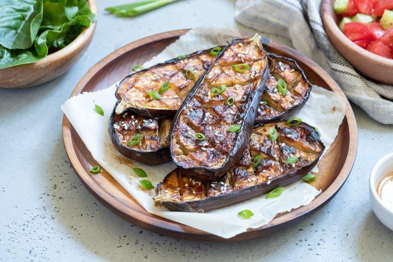 Geroosterde aubergine met Miso Glans, nasudengaku stock foto's