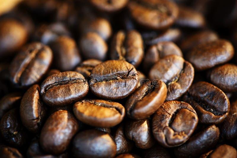 Geroosterde de textuur van achtergrond koffiebonen Close-up macrogroep koffiebonen royalty-vrije stock foto