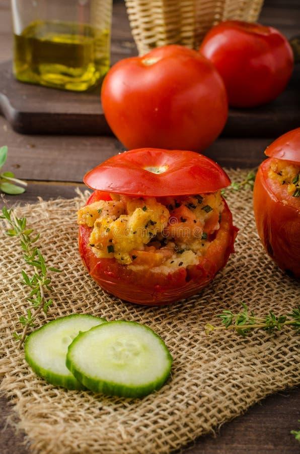 Geroosterde gevulde tomaten stock foto