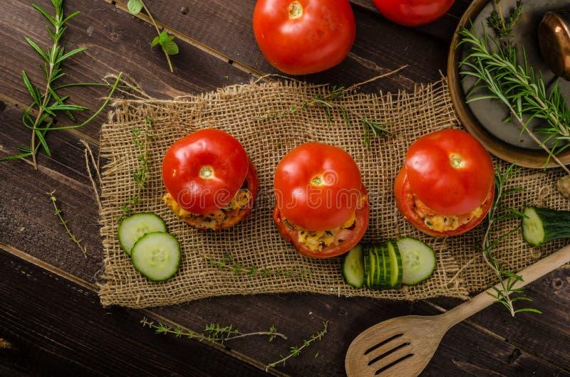 Geroosterde gevulde tomaten royalty-vrije stock foto