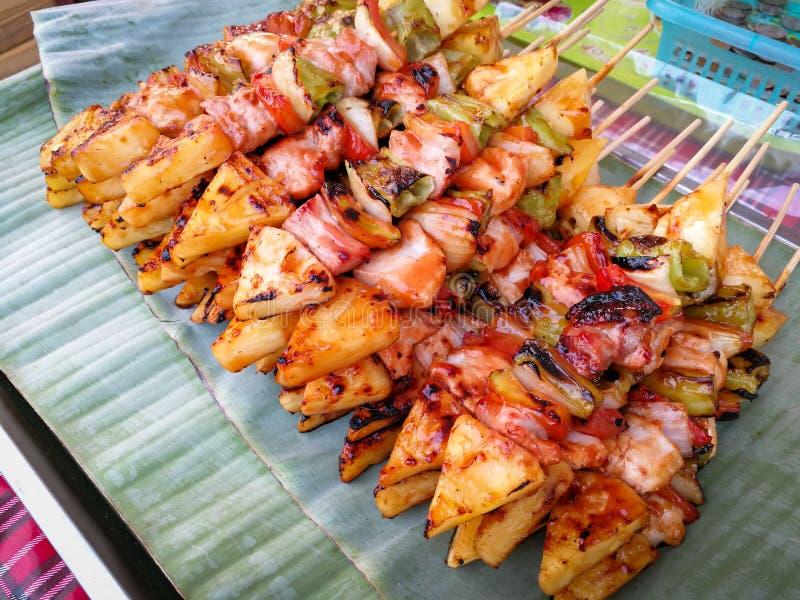 Geroosterde groente en vlees Geroosterd vleespennenbbq stock foto