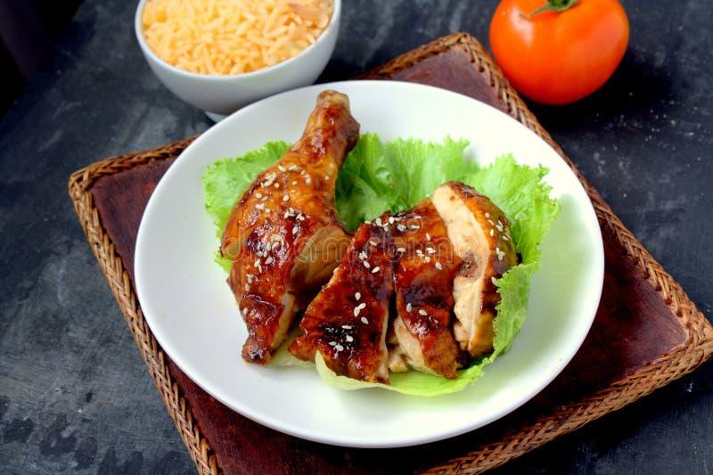Geroosterde kip met sesam stock foto