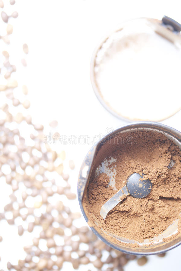 Geroosterde korrels van zwarte koffie royalty-vrije stock fotografie