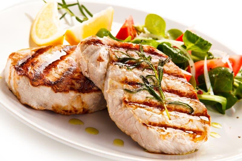 Geroosterde lapjes vlees met groenten royalty-vrije stock foto's