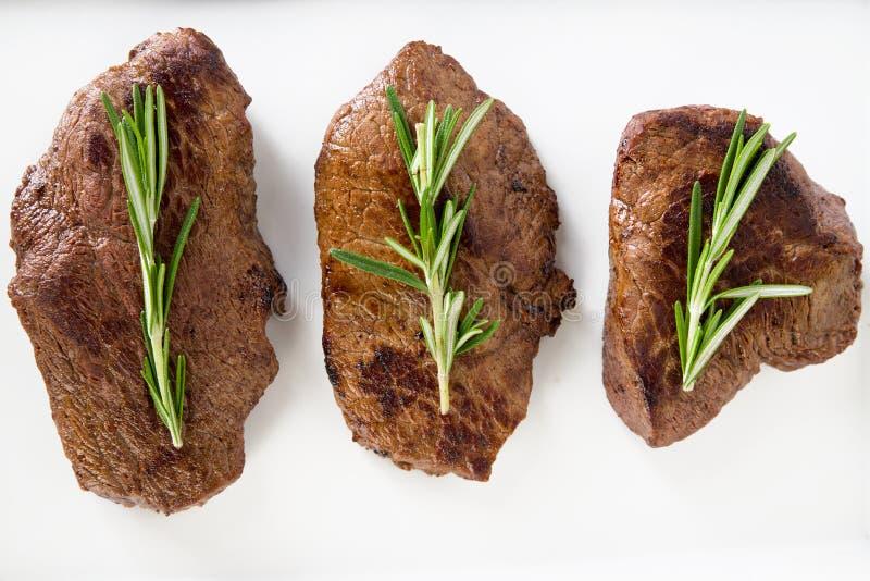 Geroosterde rundvleeslapjes vlees stock afbeelding