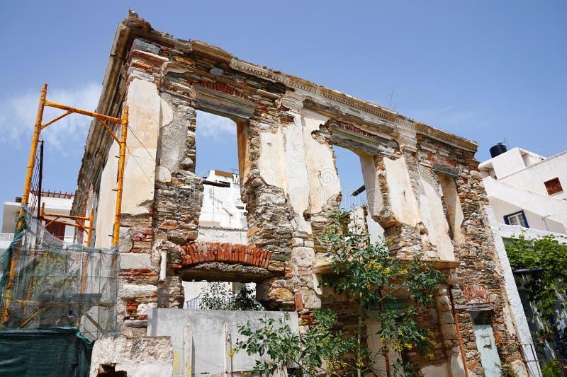 Geruïneerd Huis, Tinos, Griekenland royalty-vrije stock foto