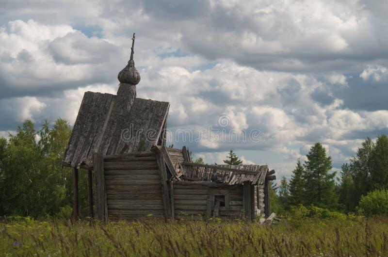 Geruïneerde kapel stock afbeeldingen