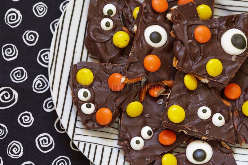Gesalzene Halloween-Monster-Barke lizenzfreie stockfotografie