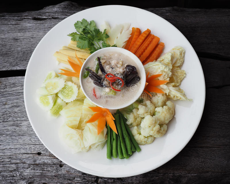 Gesalztes Krabbeneintopfgericht der Kokosmilch Simmer lizenzfreies stockfoto